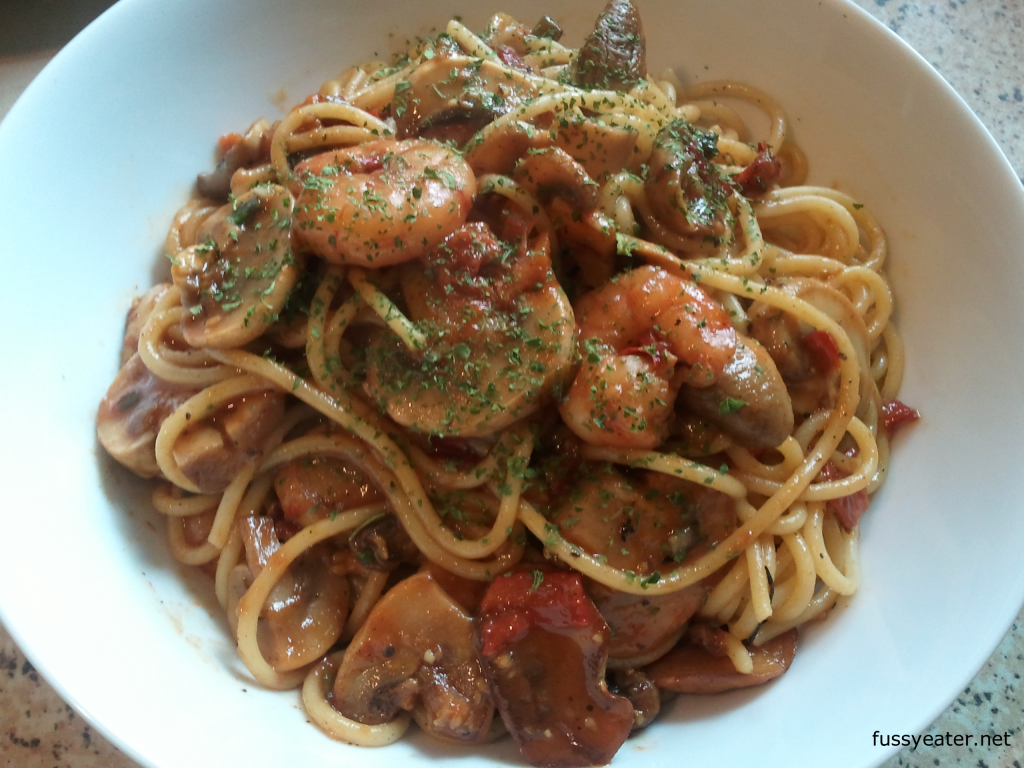 Prawn mushroom tomato pasta fussy eater for Prawn and spaghetti recipe
